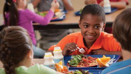 fa-healthy-school-lunch-table-2_0